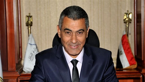 وزير النقل يقيل رئيس شركة النظافة بالسكك الحديدية لسوء الخدمات