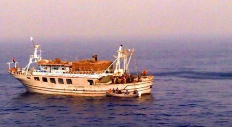 «البحرية التونسية» تنقذ بحارًا مصريا مصابًا من على متن مركب صيد