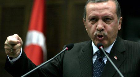 «أردوغان» يدعو الأتراك للوحدة تحت «إشارة رابعة»