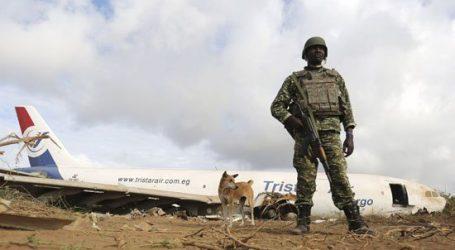 بالصور.. سقوط طائرة شحن مصرية فى الصومال ونجاة طاقمها