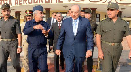بالصور .. الفريق محمود حجازى يغادر إلى الأردن