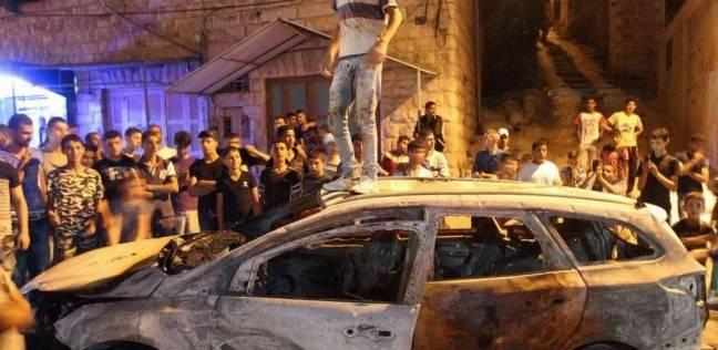 مستوطنون إسرائيليون يهاجمون منازل الفلسطينيين وسياراتهم بنابلس
