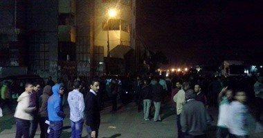 أهالى نجع العرب يقطعون الطريق احتجاجا على انقطاع المياه والكهرباء