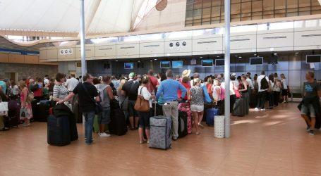 وفد روسي يصل القاهرة لتفقد الإجراءات الأمنية بكل من مطار الغردقة و مطار شرم الشيخ