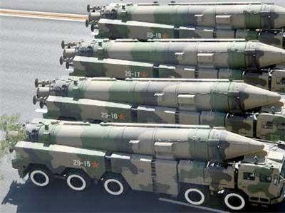 الرئيس الإيرانى يأمر وزير الدفاع بتوسيع برنامج الصواريخ ردا على العقوبات الأمريكية