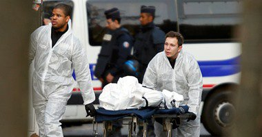 """أهالى شهيد الغربية بتفجيرات """"باريس"""" يتوجهون لمطار القاهرة لتسلم جثمانه"""