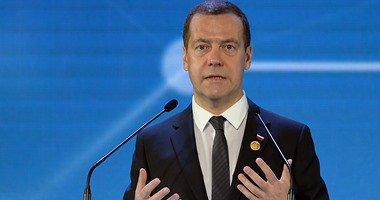 ميدفيديف:لا نحظر سفر مواطنينا لأى دولة وقرار مصر يتعلق بالحركة الجوية فقط