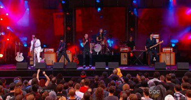 """نجاة فرقة الروك الأمريكية""""Eagles of Death"""" من الموت المحقق بأحداث فرنسا"""
