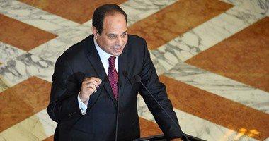 الرئيس السيسى يجتمع بمحلب ووزير الإسكان لاستعراض المشروعات القومية