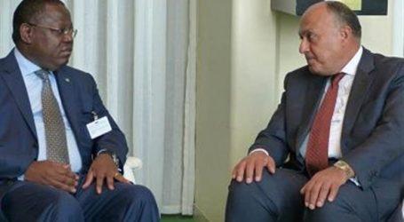 وصول وزير خارجية الجابون لبحث دعم التعاون مع مصر