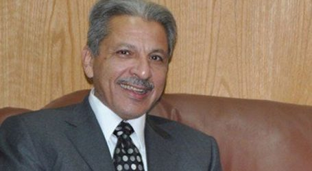 السفير السعودى بالقاهرة يقدم واجب العزاء فى حادث باريس الإرهابى