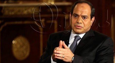 مصادر: السيسي يتابع تداعيات وقف السفر إلى مصر