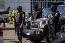 مسؤولان أمنيان: السلطات المصرية تحتجز موظفين في مطار شرم الشيخ يشتبه بأنهما ساعدا من زرعوا قنبلة على الطائرة الروسية