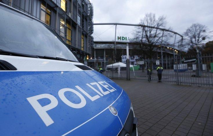 أمن ألمانيا يعثر على سيارة إسعاف محملة بالمتفجرات أمام ملعب «هانوفر»