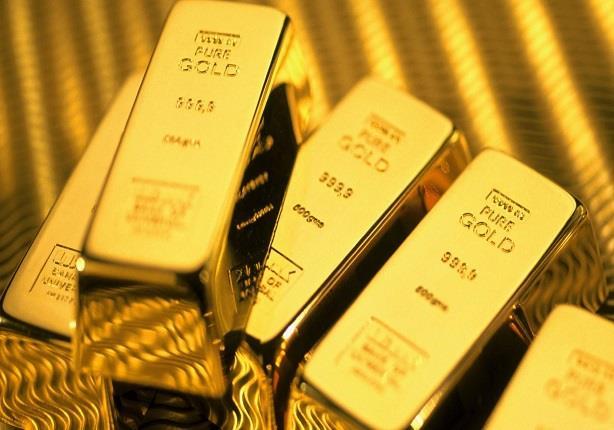 الذهب يتراجع والأنظار تتجه نحو قرار الفائدة الأمريكية الوشيك