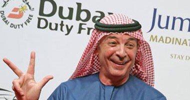 محمود حميدة يرتدى الزى الإماراتى فى ختام مهرجان دبى السينمائى