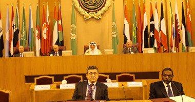 سفير الإمارات بالقاهرة يطالب بتفعيل آليات عمل الجامعة العرببة