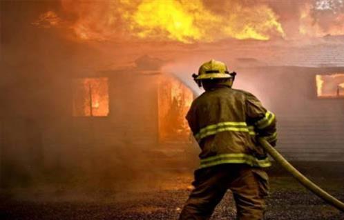 احتراق ( 20 ) سيارة فى حريق هائل داخل جراج بالعمرانية