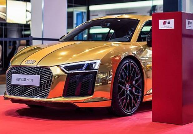 في أعياد الميلاد.. أودي تطرح سيارة من الذهب