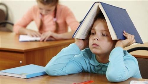 الأولاد يميلون إلى اجتياز الاختبارات العلمية بنجاح أكبر من الفتيات