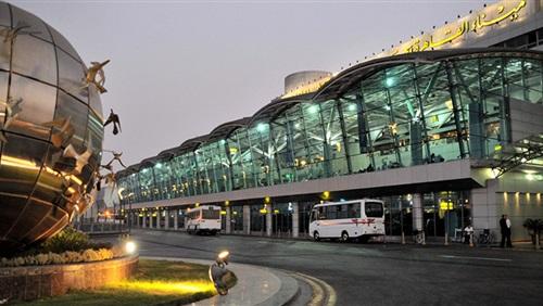 مطار القاهرة يوسع دائرة الاشتباه الصحي في ركاب أفريقيا بسبب الإيبولا