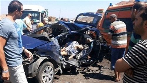مصرع 3 أشخاص وإصابة 7 آخرين في تصادم بمحور الأوتوستراد