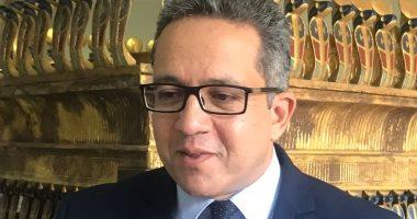 وزير الآثار يحيل مذكرة عن «الفيديو الإباحي» أعلى «خوفو» للنائب العام