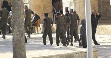 جيش الاحتلال يعتقل فلسطينيا جنوب بيت لحم