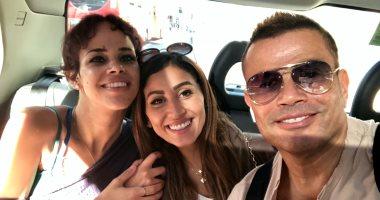 نور ابنة عمرو دياب تنشر صورة تجمعها بوالدها و دينا الشربينى
