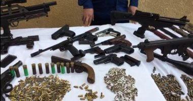 أمن الجيزة يكثف حملاته لضبط حائزى الأسلحة والمواد المخدرة بأنحاء المحافظة