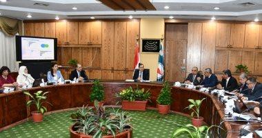 وزير البترول يستعرض تطوير وتحديث أنشطة التكرير وتوزيع المنتجات