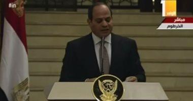 السيسي يصل مطار القاهرة بعد زيارة للسودان استغرقت يومين
