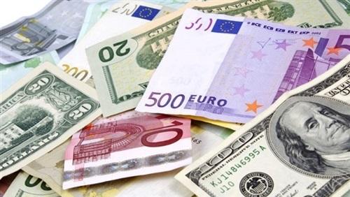 استقرار أسعار العملات الأجنبية اليوم.. والدولار بـ17.93 جنيها