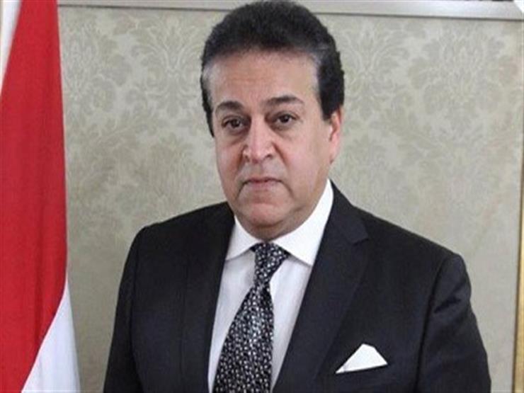 وزير التعليم العالى: استثناء الـ2 % أقل واجب من الدولة لطلاب شمال سيناء