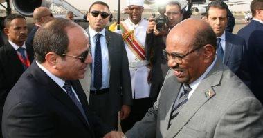 بعد قليل.. مؤتمر صحفى للرئيسين السيسى والبشير فى القصر الجمهورى بالخرطوم