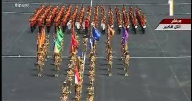 خريجو الدفعة 156 ضباط الصف يؤدون العرض العسكرى أمام الرئيس السيسى