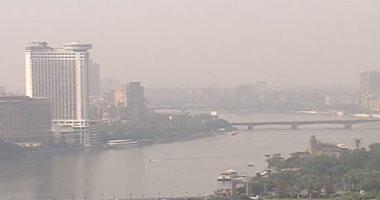 غيوم وشبورة تغطى سماء القاهرة وأغلب المحافظات وانخفاض مستوى الرؤية