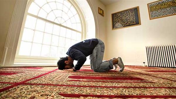 الإفتاء توضح فوائد الخشوع فى الصلاة