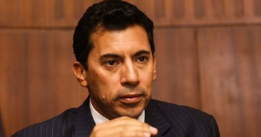 وزير الرياضة: التزام الجمهور كلمة السر لزيادة الأعداد فى المدرجات