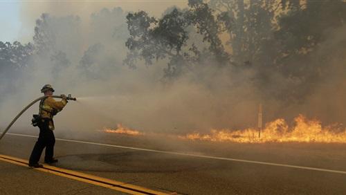 أستراليا ونيوزيلندا تدعمان عمليات إخماد حرائق الغابات في أمريكا