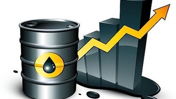 النفط يقفز 3% بفعل تراجع كبير لمخزون الخام الأمريكي وعقوبات إيران