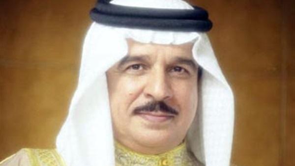 ملك البحرين على رأس مستقبلي الرئيس السيسي