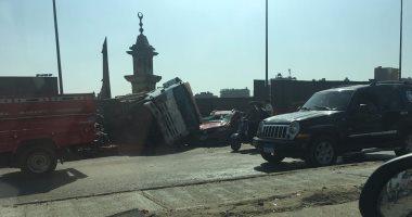 زحام مرورى أعلى كوبرى 15مايو اتجاه الجيزة بسبب حادث تصادم سيارتين