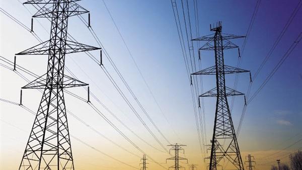 الكهرباء: 700 مليون جنيه تكلفة تحويل أبراج الضغط إلى كابلات أرضية.. فيديو