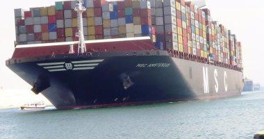 الفريق مهاب مميش: عبور 48 سفينة بحمولة 3 ملايين طن