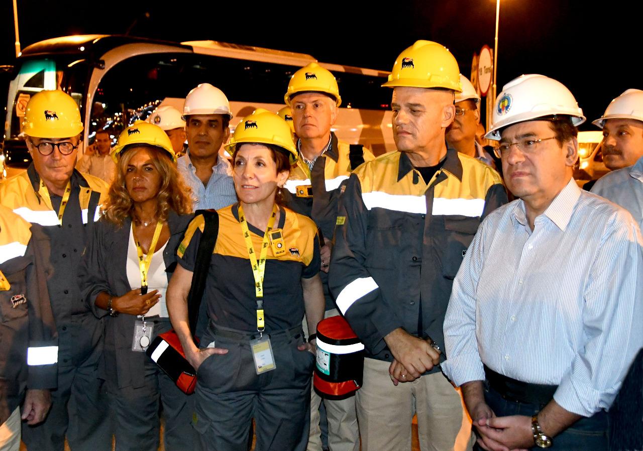 وزير البترول ومسئولو شركة إينى الإيطالية يتفقدون محطة المعالجة البرية لحقل ظهر