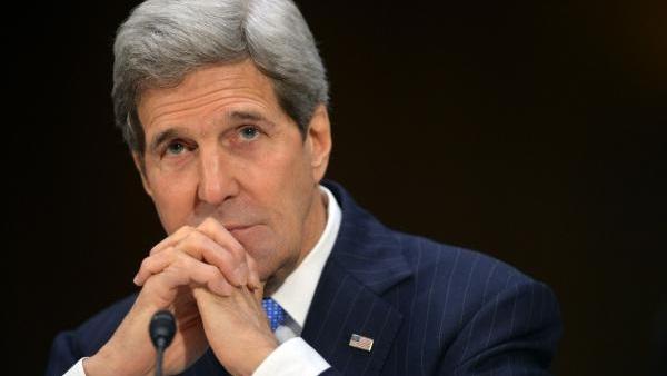 جون كيري يرد بقوة على انتقادات ترامب للقائه مع وزير الخارجية الإيراني