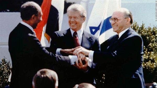 صحيفة فرنسية: علاقات مصر وإسرائيل باردة بعد 40 عاما على كامب ديفيد