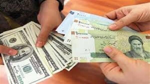 الريال الإيراني يهبط إلى أدنى مستوى في تاريخه أمام الدولار