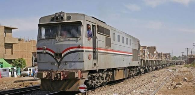 استئناف حركة القطارات بعد توقفها بسبب حريق جرار في الشرقية